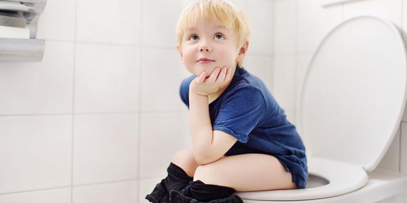 Cara Biasakan Anak Pipis Sendiri