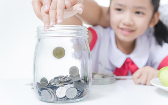 tips mengajar anak menabung