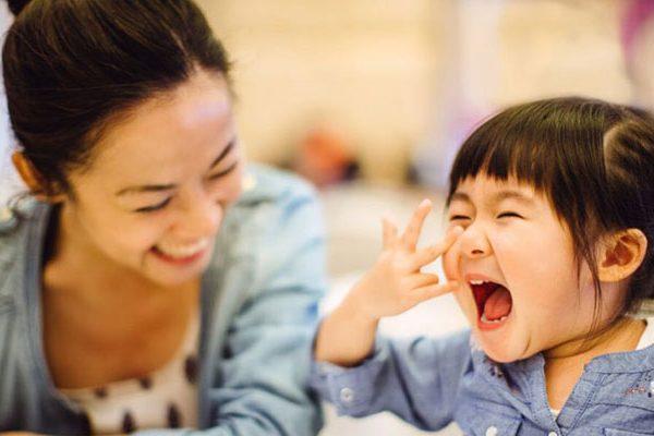 Tips-Mendidik-Anak-Agar-Tumbuh-Jadi-Bahagia